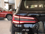 2021款 宝马X5   xDrive40i 尊享型 M运动套装